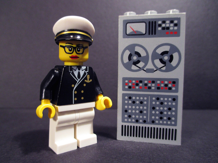 Lego figure of Grace Hopper.