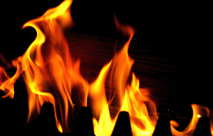 Photo of a burning fire.